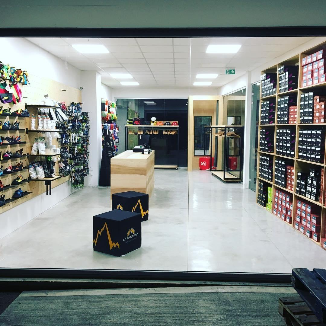 Nuovo negozio arrampicata  Oliunìd Shop Milano allo Urbanwall ... 9f7f11889b47