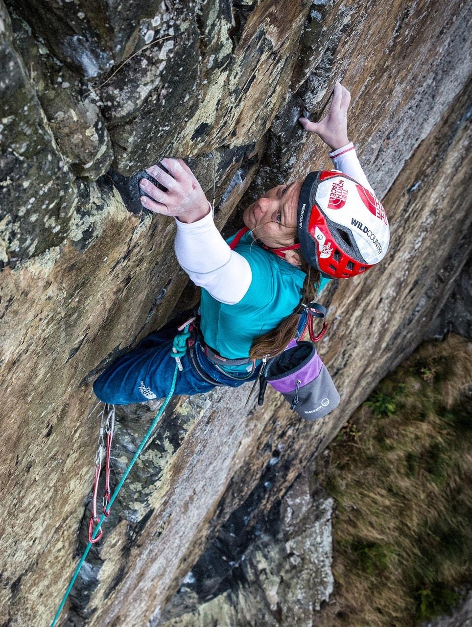 Caroline Ciavaldini arrampicata Requiem E8 Nadir Khan