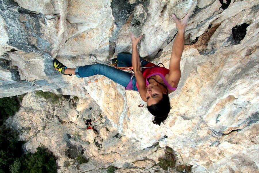 Arrampicata sportiva a Castillon - Oliunìd is crag