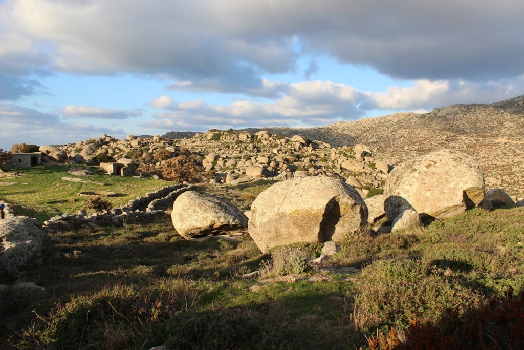 arrampicata boulder kakia skala tinos grecia