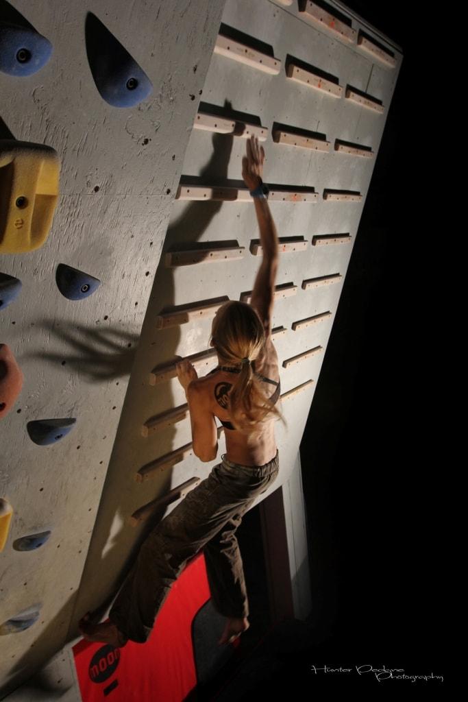 Allenare la forza esplosiva nelle braccia per l'arrampicata - Oliunìd is training