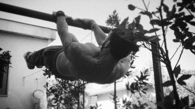 Maruen front lever calisthenics arrampicata