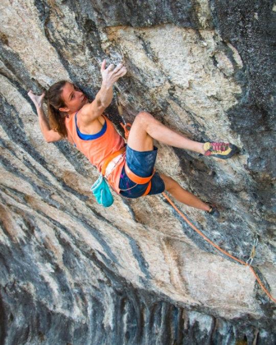 Anak Verhoeven è la prima donna a liberare un 9a+ - Novelle d'arrampicata