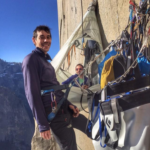 Sicurezza verticale: Il materiale da arrampicata per le vie lunghe