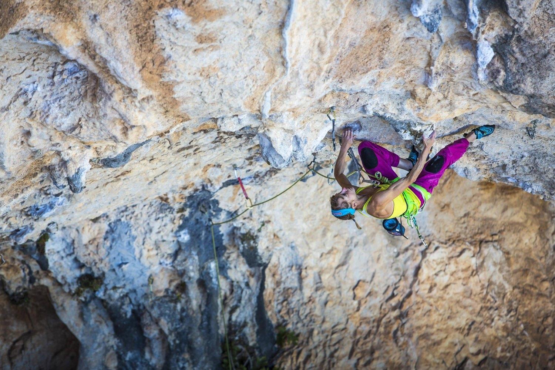 Nel 2017 Angela Eiter firma la storia dell'arrampicata con la prima femminile di un 9b.