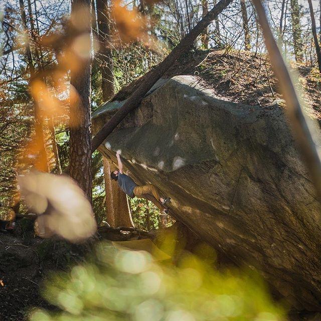 Fare boulder a Cresciano - Oliunìd is bloc