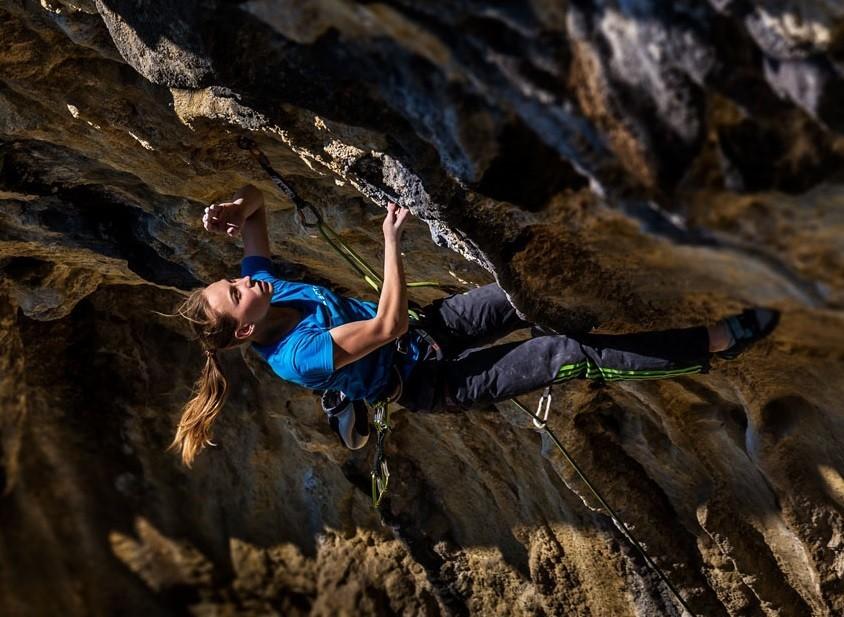 Novelle d'arrampicata: Janja Garnbret 8c a Misja Pec