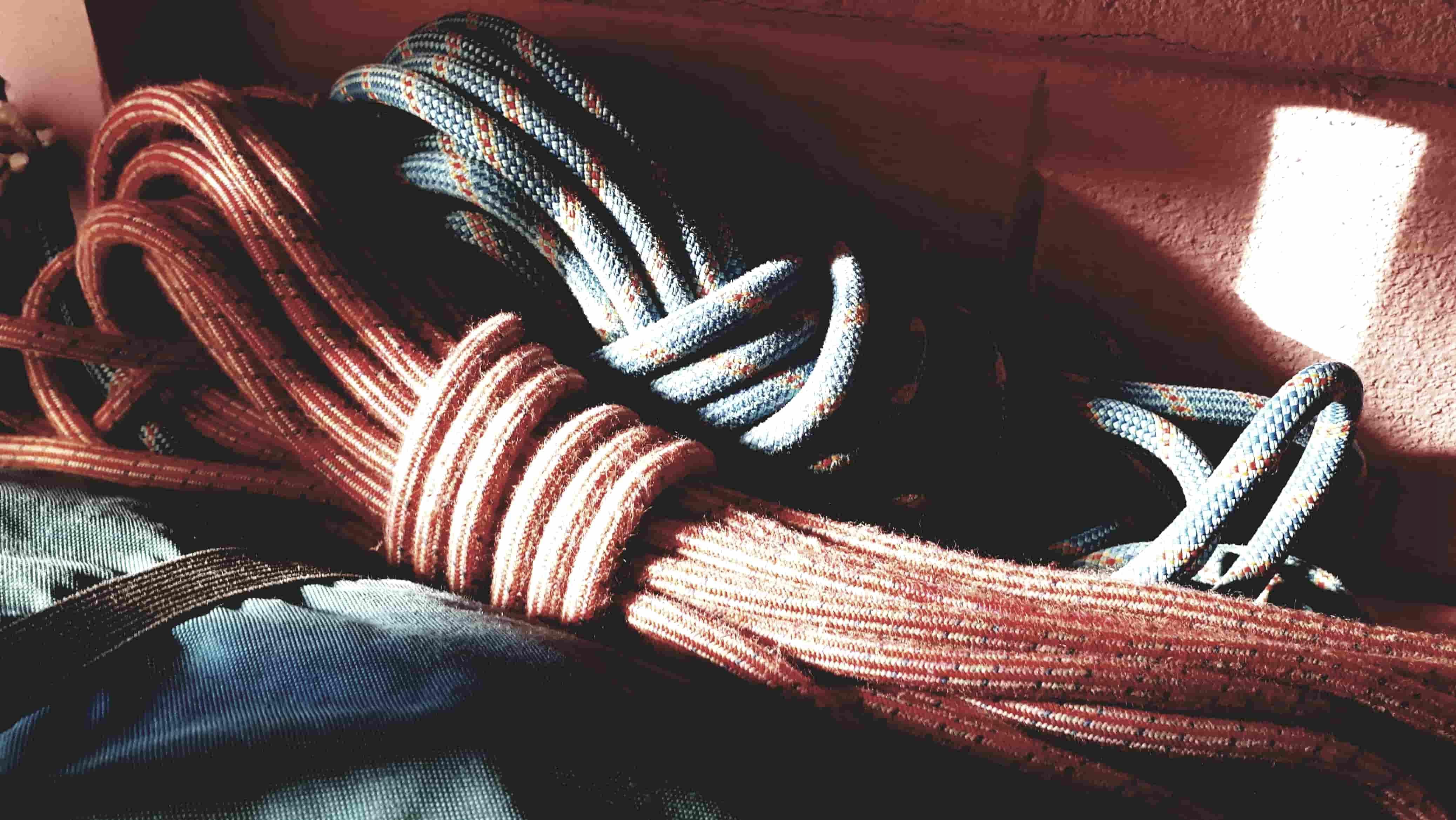 Manutenzione della corda d'arrampicata: come proteggerla quando non la si utilizza
