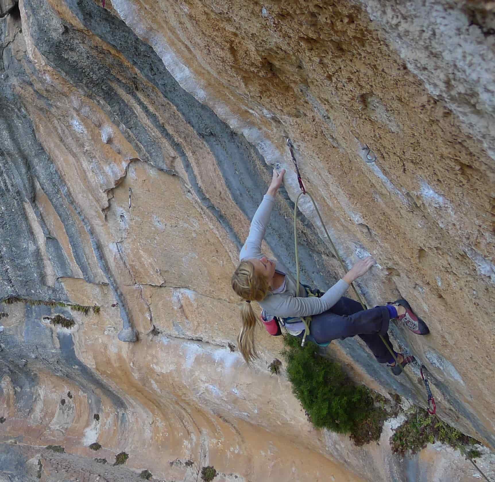 Mina Leslie-Wujastyk arrampicata siurana