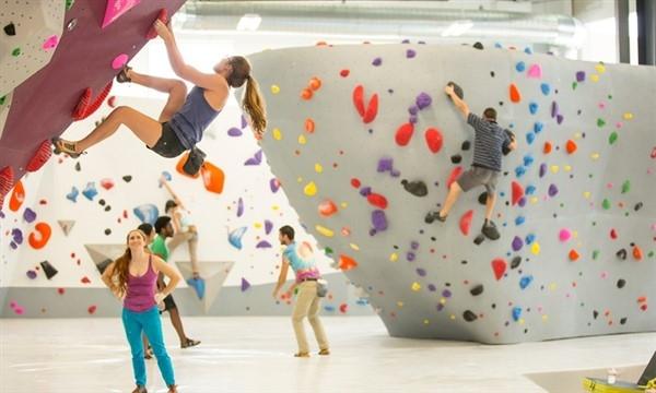 Palestra arrampicata indoor boulder
