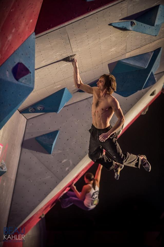 Allenamento per l'arrampicata senza scarpette - Oliunìd is training